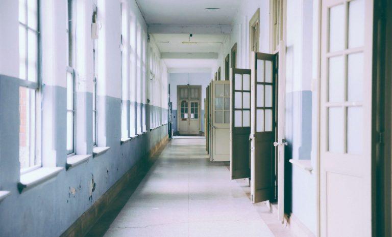 Staatliche Schulen sind Gefängnisse für Kinder
